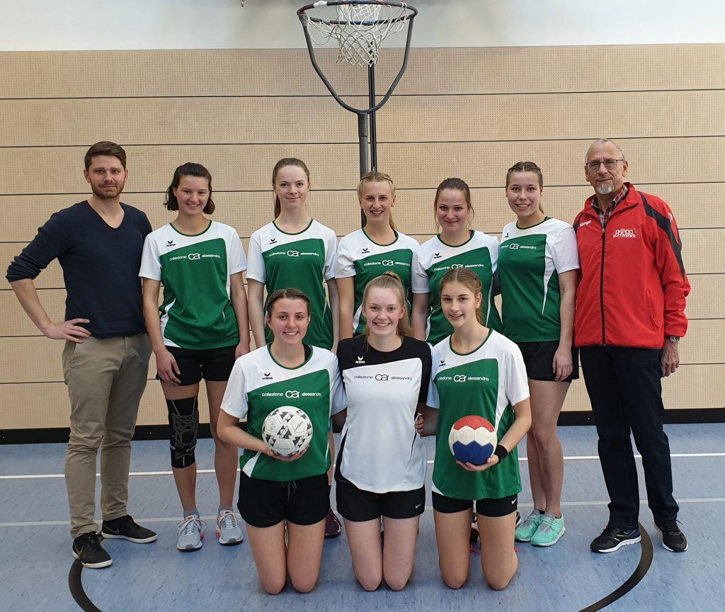 Unsere U19 Korbballmannschaft mit ihren Trainern